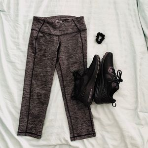 Active Capri Cropped Leggings